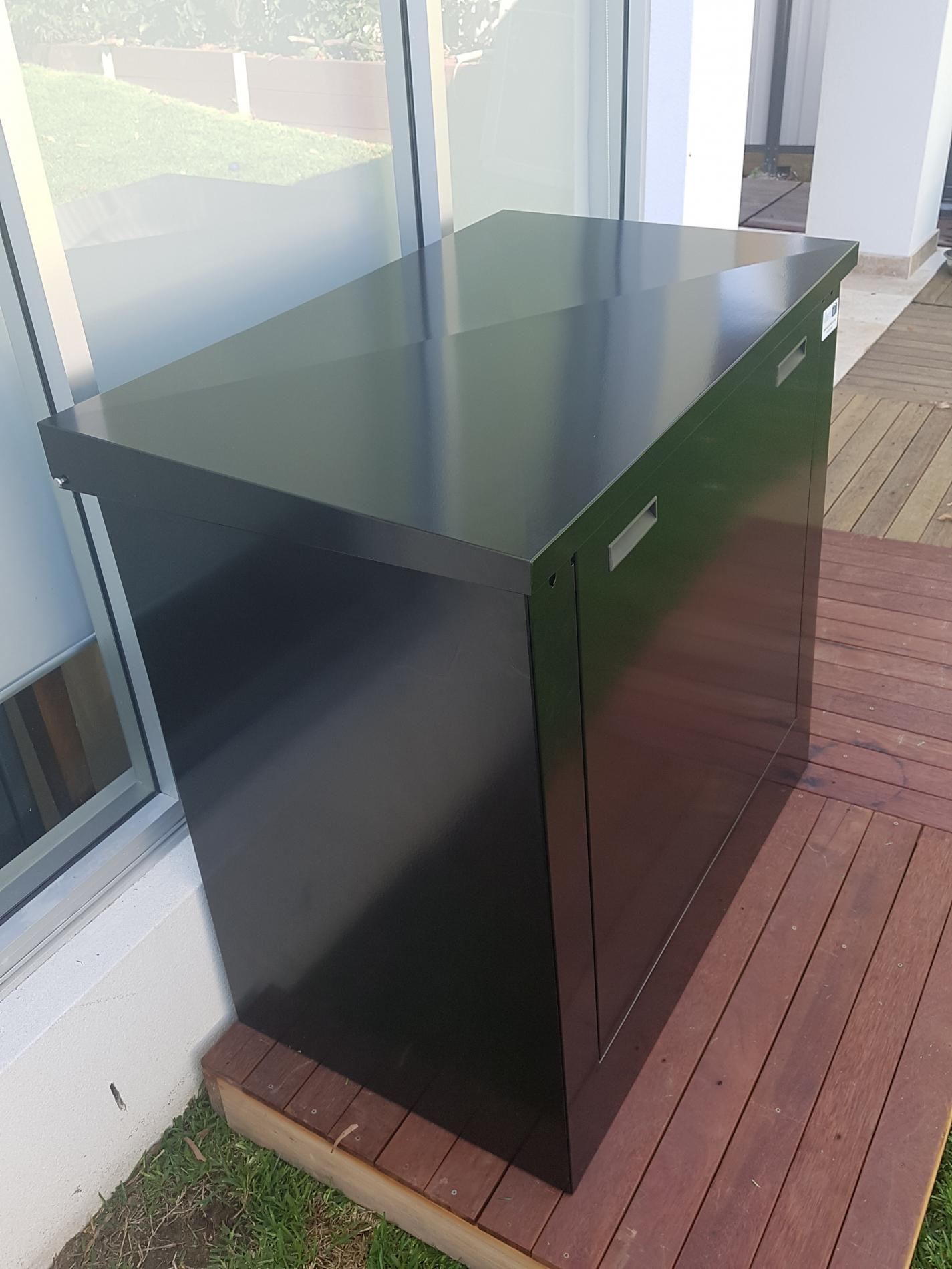 Slim small pool filter box